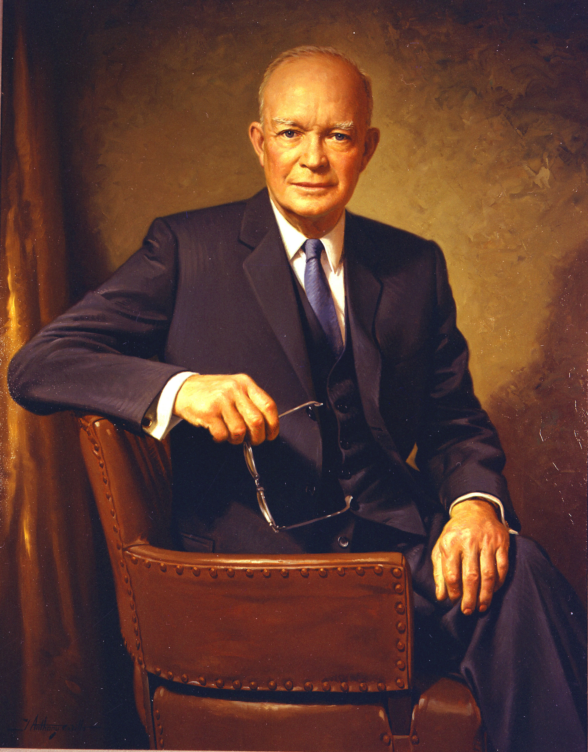 http://thenewliberator.files.wordpress.com/2009/03/dwight_d_eisenhower.jpg